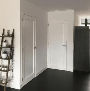 deuren en kozijnen stompe witte deuren